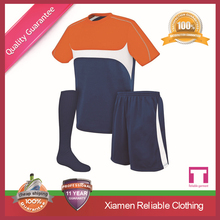 2015 Wholesale top quality custom free design full set soccer uniform set