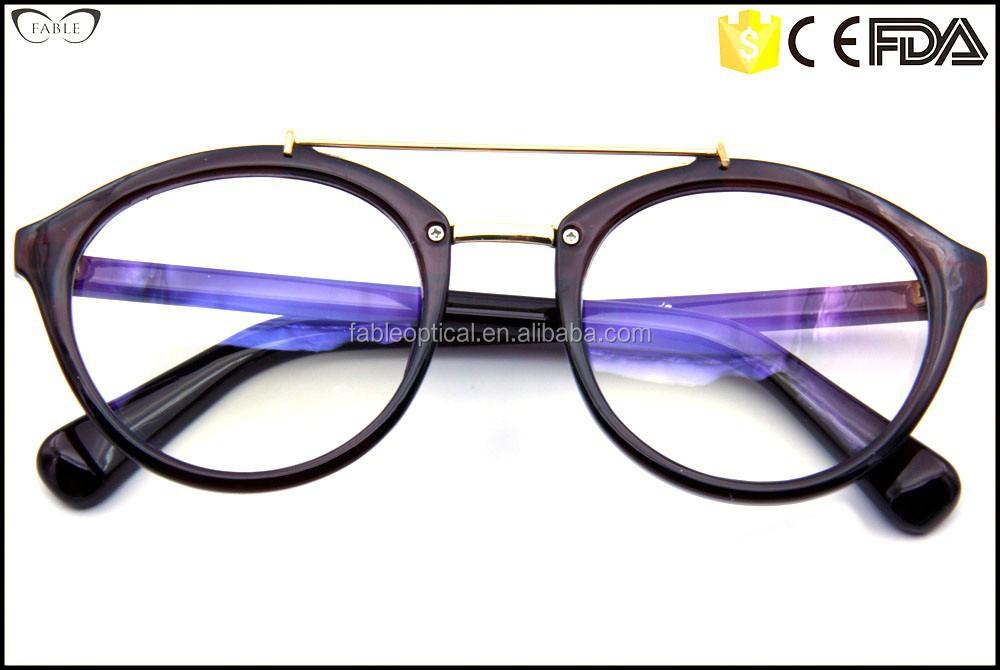 Learn How Eye Care Professionals Choose Eyeglass Frames