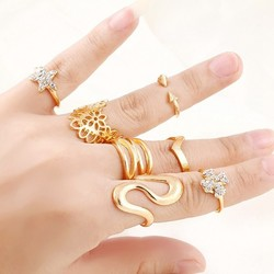Fashion Elegant Delicate women Rhinestone Stars gold plated alloy Cross Hollow Flower Round Open Cuff Finger Rings Set