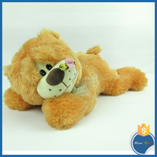 two colors assorted soft toys plush stuffed grovelling dog with ribbon with bee