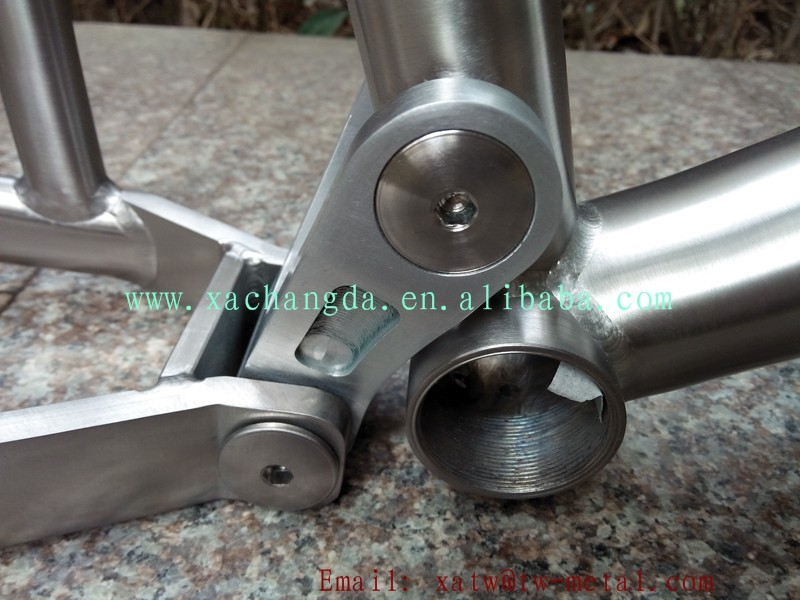 Titanium suspension bike frame10.jpg