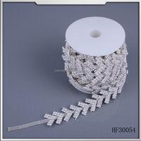 fashion high quality metal brass rhinestone chain With crystal arrow shape