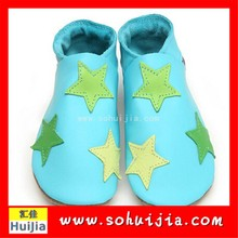 Fancy promotional colorful star embroidered flat soft sole baby leather shoes with boy