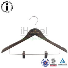 Customed LOGO Luxury Natural Wooden Hanger For Clothes