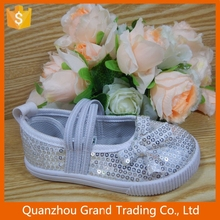 Girl fashion shoe