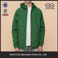 Nueva llegada baratos hombres ropa de invierno moda
