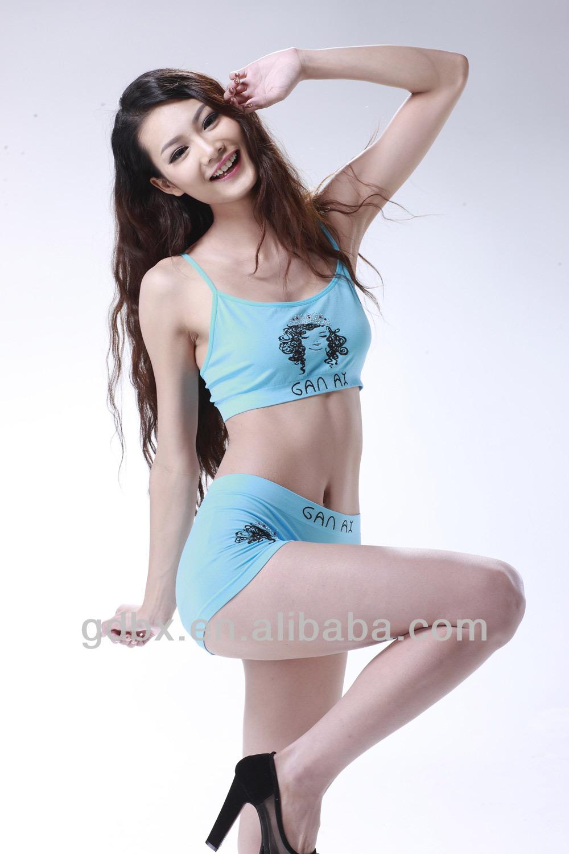 Fotos de mujeres en ropa interior de encaje sostenes y for Ropa interior de senora