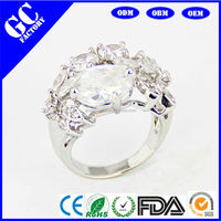 Platinum Diamond Finger Rings Princess Cut Prong Setting Diamond Rings