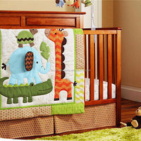 nursery bedding set 4-piece embroidery pattern for baby