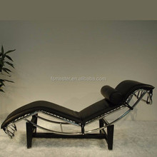 modern leather relax chaise longue LC4 with cushion