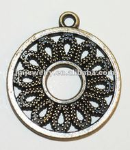 Lovely hollow circle metal pendant for fashion accessories