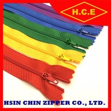 Wholesale best quality 3 4 5 7 suitcase nylon zipper in 100 200 300 y