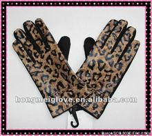 V190 wholesale cheap leopard leather gloves for woman with panther printed back