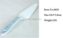 Wholesale high quality popular plastic cake Pie Slicer Sheet cake knives