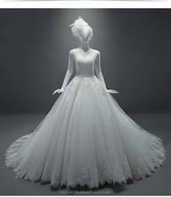 Fashion Design Cap Sleeves Beaded A Line Lace Wedding Dress With Keyhole Back