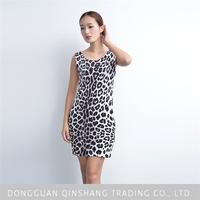 High quality knitted christmas sleeveless printed dress of clothing distributor