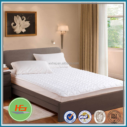Comfortable quilted waterproof white terry cloth mattress topper