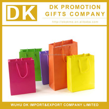 Colorful paper shopping bag for fashion