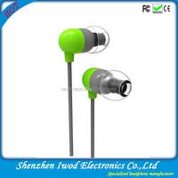 Latest Alibaba item fashion earphones and headphones with plastic headphone cover and 3.5mm earplug