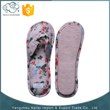 Latest design fashion lovely indoor slippers/flip flops