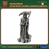 Custom made wholesales decorative pewter skull wizard figurine for game designs
