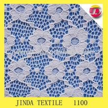 el patrón de flores de tela de encaje