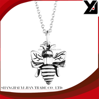 Wholesale new age products honeybee cameo bee flying solid 3d pendant necklace handmade silver jewelry best design