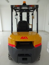 New design Japanese orignal imported diesel engine,2.5ton diesel forklift truck enjoy good reputation