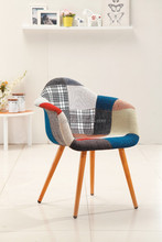2015 New & Fashionable Design Wooden Chair