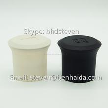 Amazon Hot Selling Novelty Design Polar Bear and Penguin Ice Shaped Silicone Ice Cube Tray