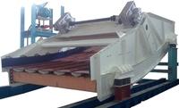 Heavy vibrating screen for construction materials