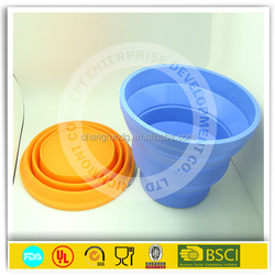 OEM multi plughole novelty wine holder in silicone rubber colorful wine case for promotion gifts