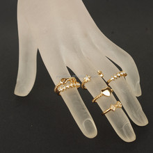 Fashion gold ring with latest finger ring designs set based on jewelry