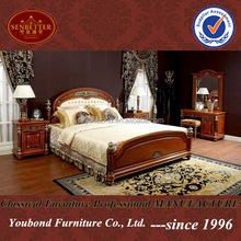 Royal luxury classic solid Wood bedroom set high quality Italian furniture 0029