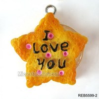 2014 New coming artifical lovely resin biscuit food pendant