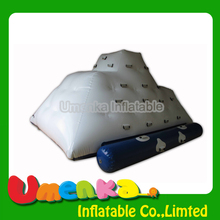 Umenka big water climing iceberg/inflatable floating iceberg/water play equipment