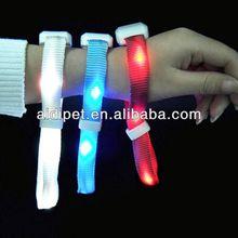 2013 Patented remote controlled 1gb 2gb 4gb 8gb 16gb wristband oem usb flash drive