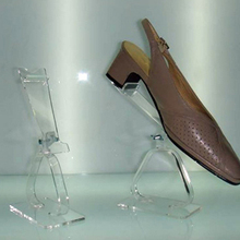 Hot saling acrylic counter shoes display rack and organic glass shoe dislpay stand wholesale