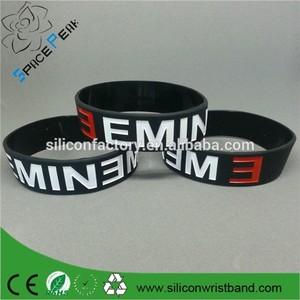 2015 pas cher Eminem silicone Bracelet Bracelet - en creux couleur rempli bande