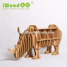 Modern designs modelo ciervos estante para libros de madera