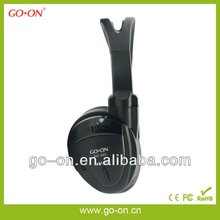 Easy storage aviation headset with airplane plug adapter