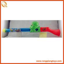 Brinquedo pistola de água para as crianças que jogam