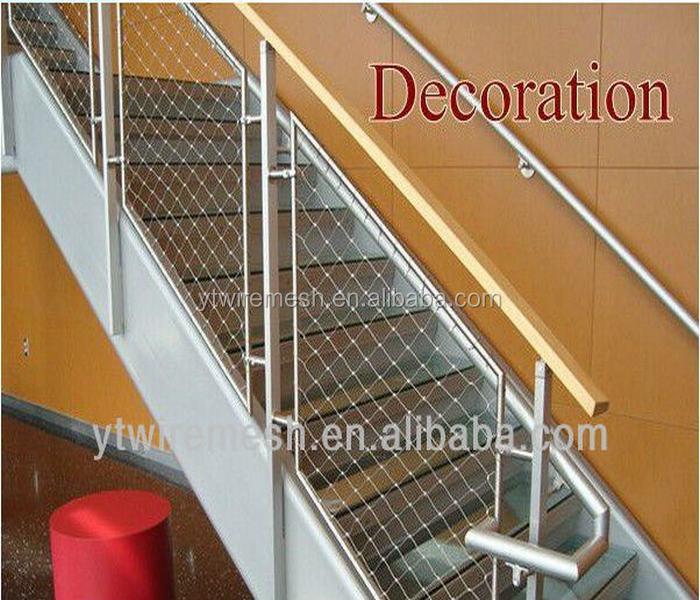 escalier garde corps filet treillis d 39 acier id de. Black Bedroom Furniture Sets. Home Design Ideas