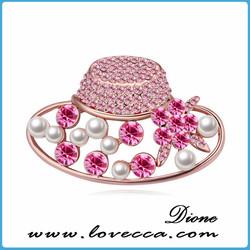 gridding enamel crystal golf bag brooch