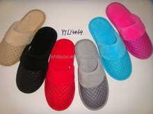 Latest designs rubber cheap winter flat ladies slippers