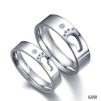 South Korea fashion little footprints new love titanium steel rings for men and women couple models wedding rings anillos