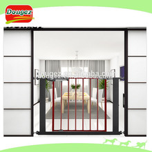 El precio de fábrica al por mayor de color marrón pet puerta de seguridad, niño puerta de seguridad, eco- ambiente
