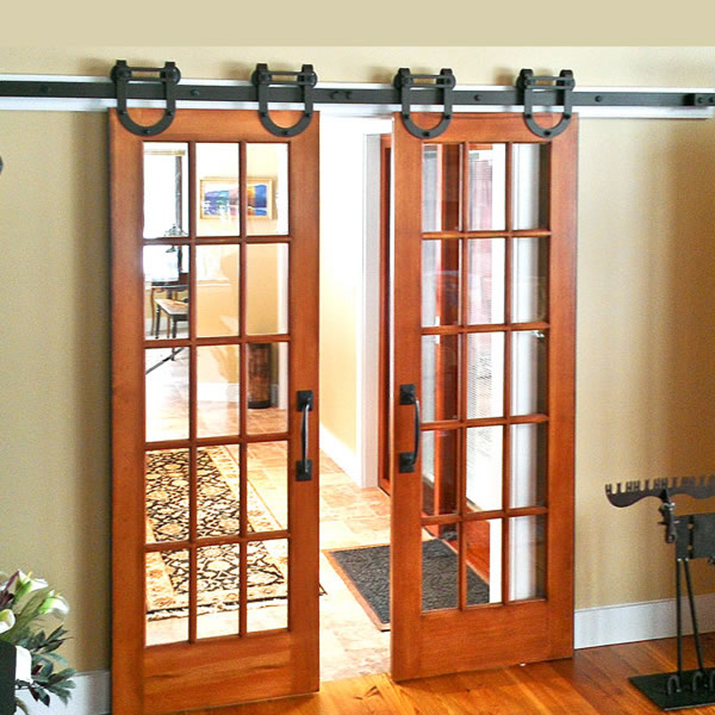 Int rieur en bois suspendus moderne coulissant for Glissieres pour portes coulissantes