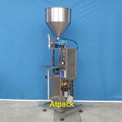 Standing type semi-automatic cream filling machine
