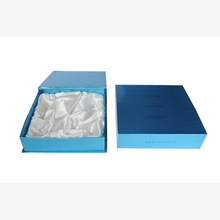 Custom luxury paper gift box with foam tray